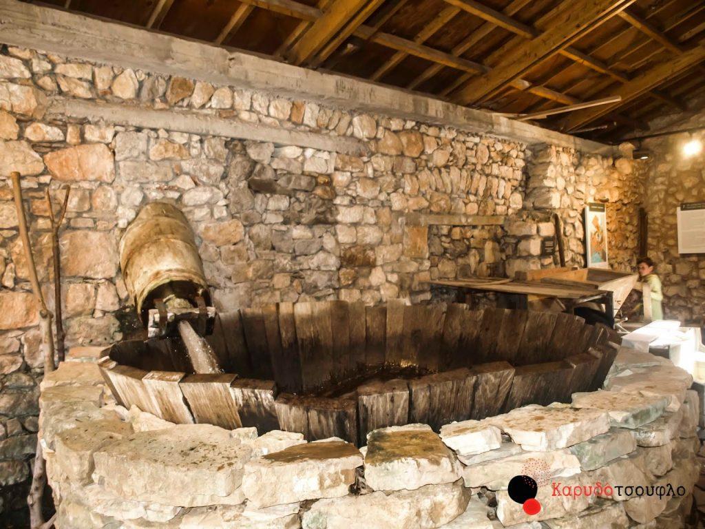 Υπαίθριο-Μουσείο-Υδροκίνησης-Δημητσάνα-νεροτριβή