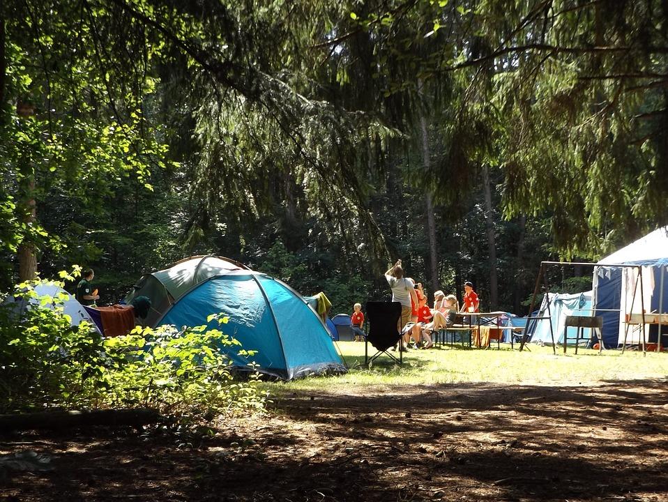 oikogeneiakes-diakopes-se-camping