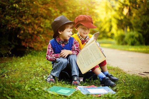 Τα παιδικά βιβλία γράφονται κυρίως για τους μεγάλους