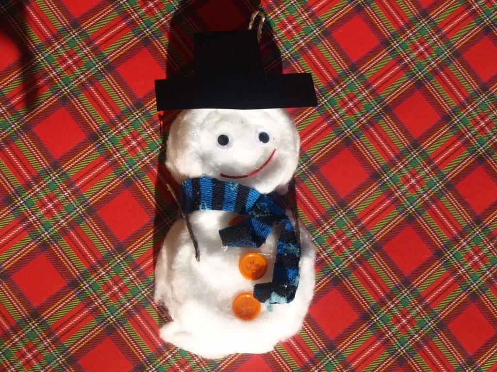 Χριστουγεννιάτικα στολίδια από κονσερβοκούτια