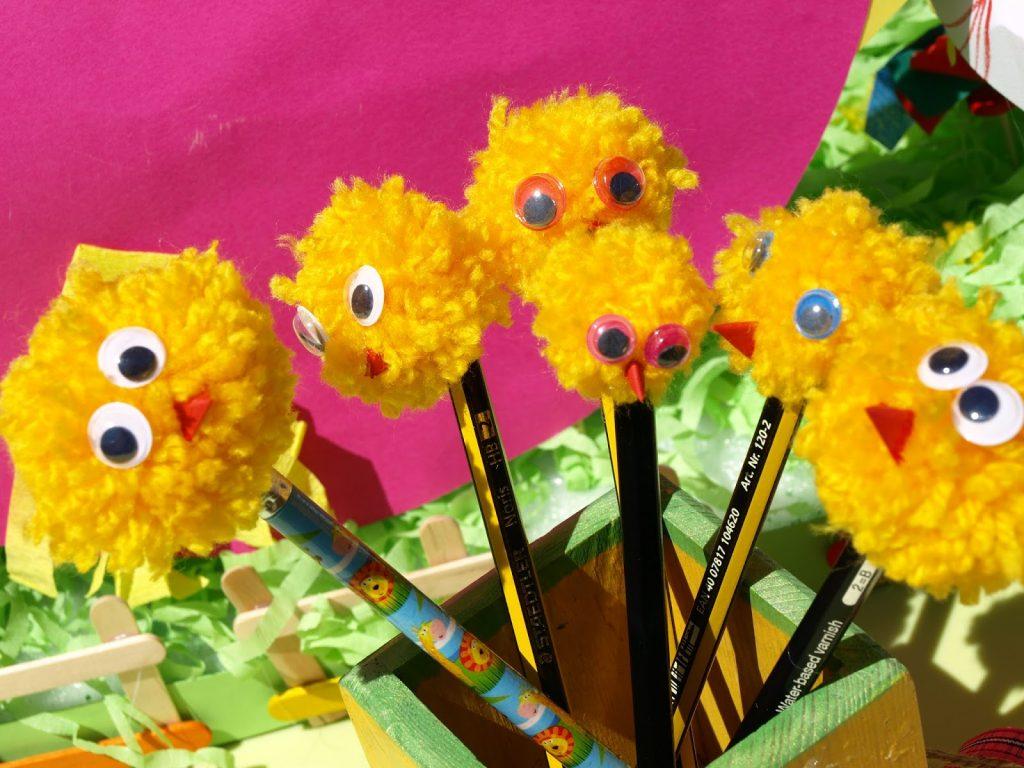 Φτιάχνουμε πασχαλινά κοτοπουλάκια για τα μολύβια μας