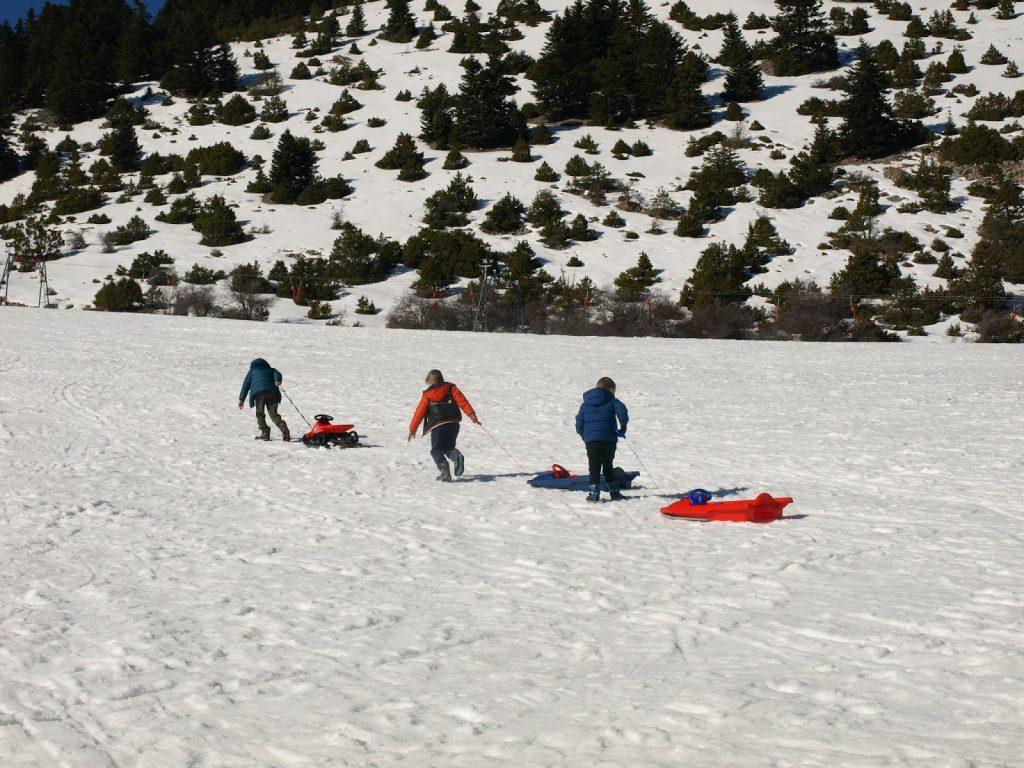 Εκδρομή στο χιονοδρομικό κέντρο Μαινάλου με τα παιδιά