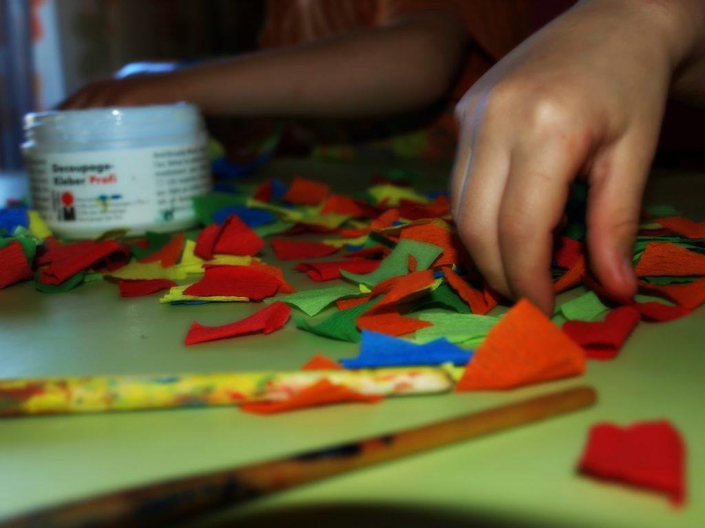 Φτιάχνουμε φαναράκια για το Πάσχα από παλιά βάζα