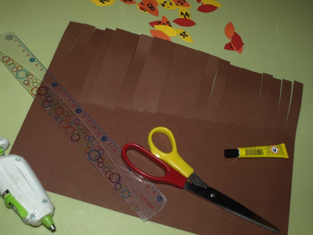 Φτιάχνουμε φθινοπωρινό δέντρο από χαρτόνι