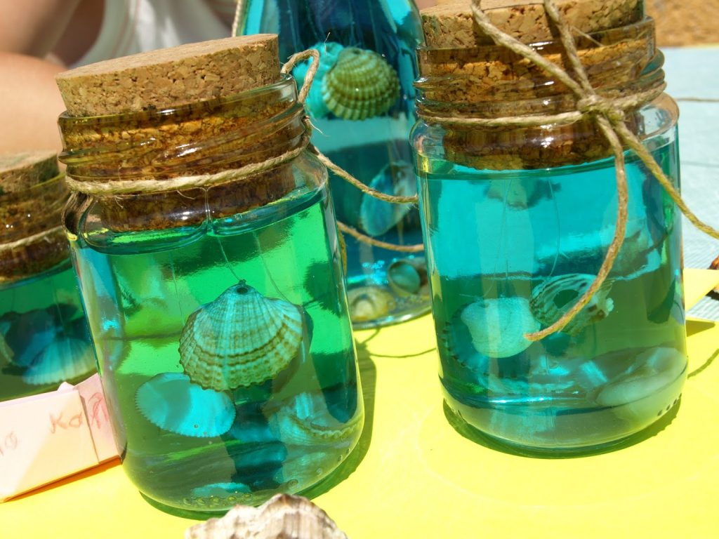 summer decoration with shells