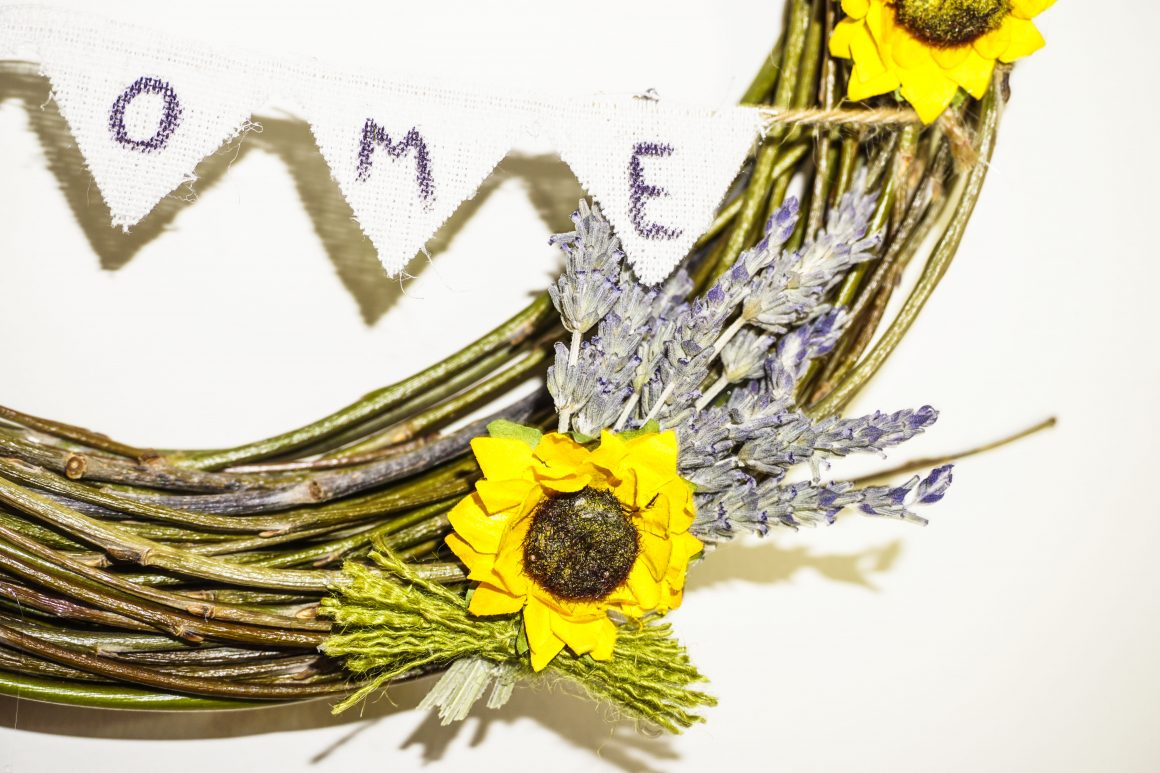wreath - sweet home