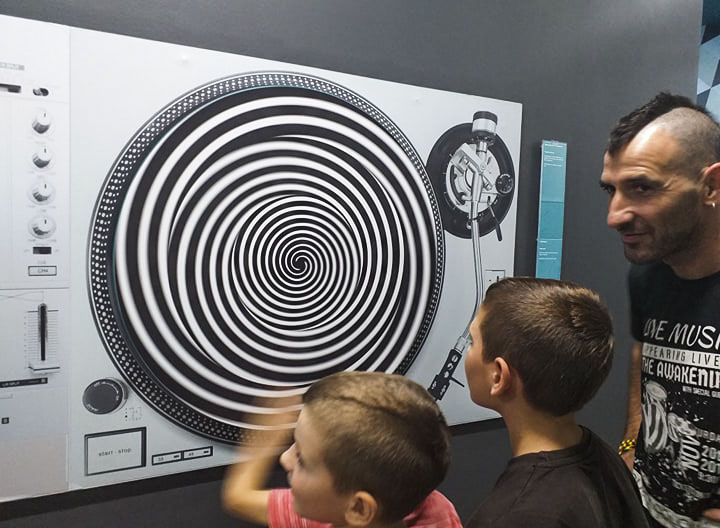 Στο μουσείο ψευδαισθήσεων με τα παιδιά