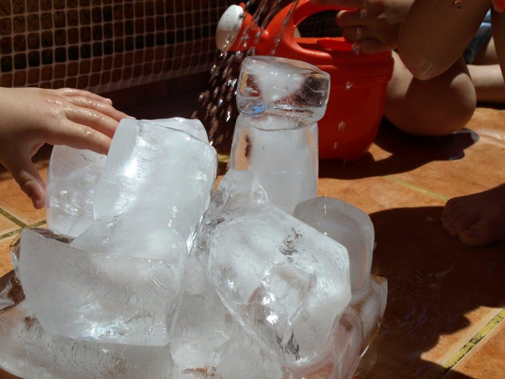 Παίζουμε παλαιοντολόγους - παιχνίδια με πάγο