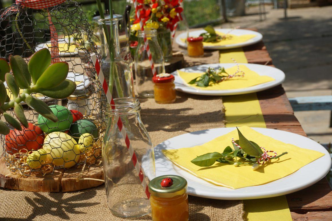 Στρώνουμε οικογενειακό πασχαλινό τραπέζι