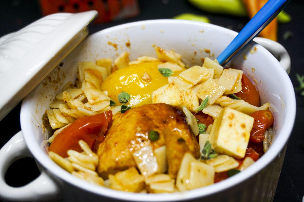 Χυλοπίτες στη γάστρα με κοτόπουλο και λαχανικά