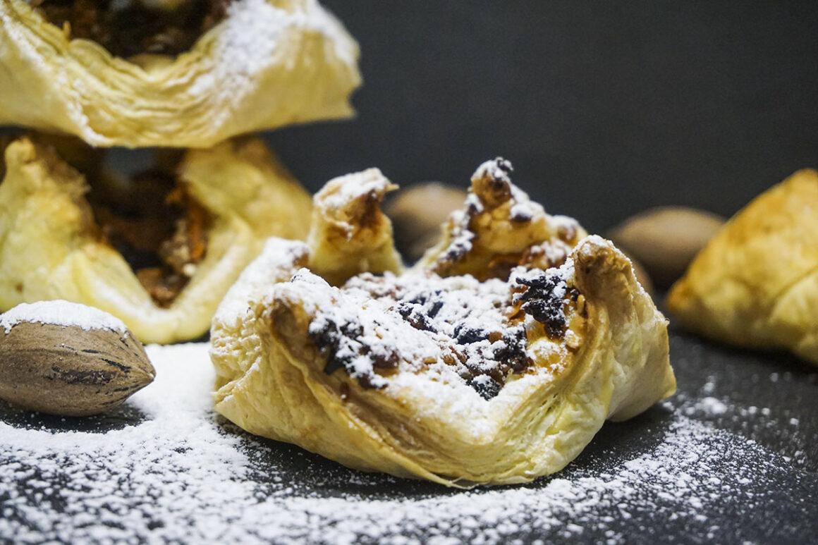 Γλυκά σφολιατίνια κίτρινης κολοκύθας