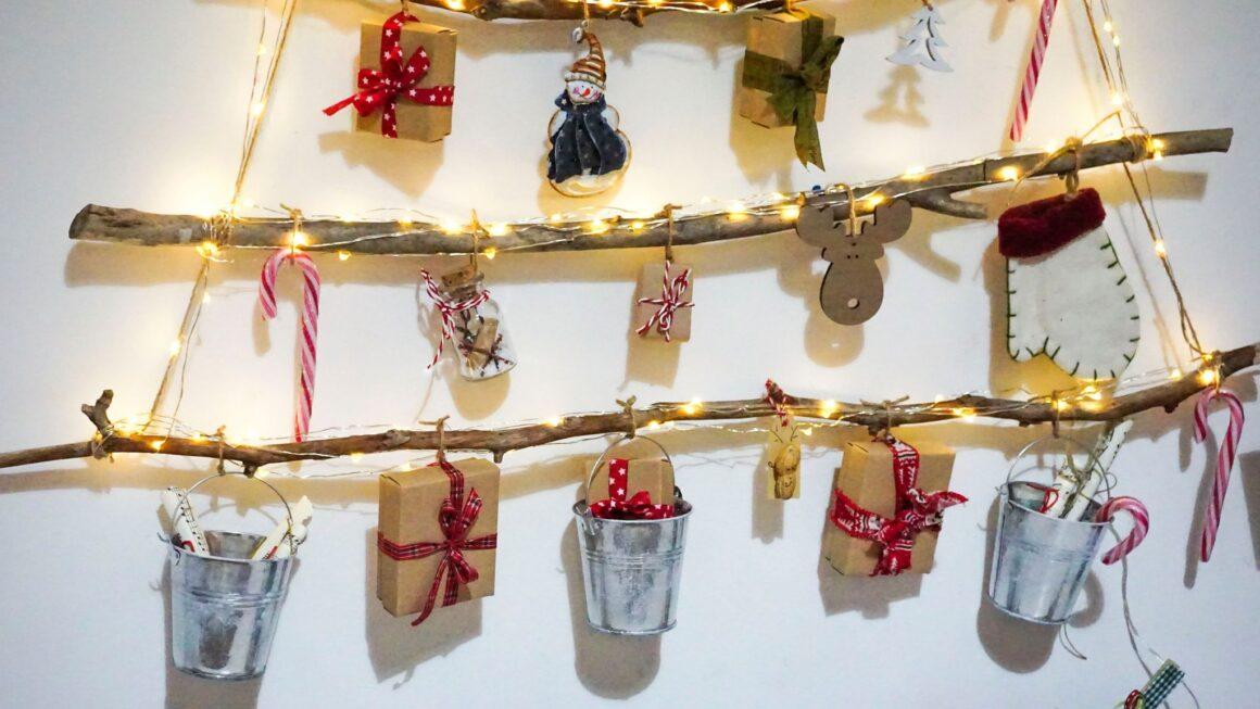 Χριστουγεννιάτικο-δέντρο-από-κλαδιά-Advent-Calendar