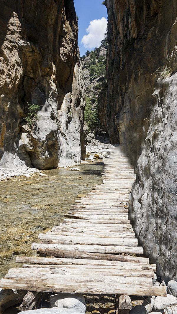 Φαράγγι-Σαμαριάς-η-απόλυτη-πρόκληση-της-Κρήτης