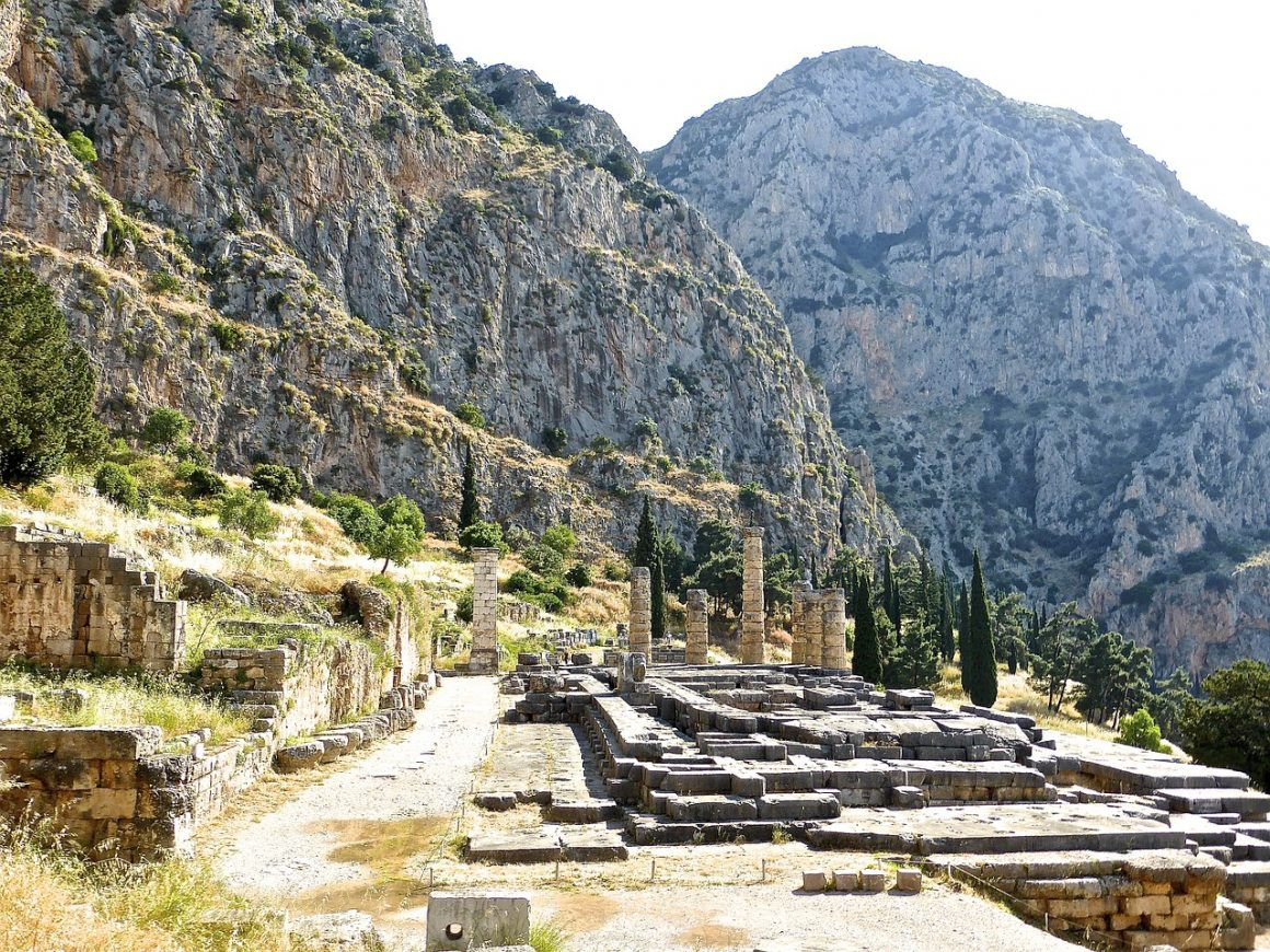 Είναι-αρχαιολογικός-χώρος-δεν-είναι-πέτρες-einai-archaiologikos-choros-den-einai-petres